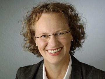 Dr. Almute Nischak